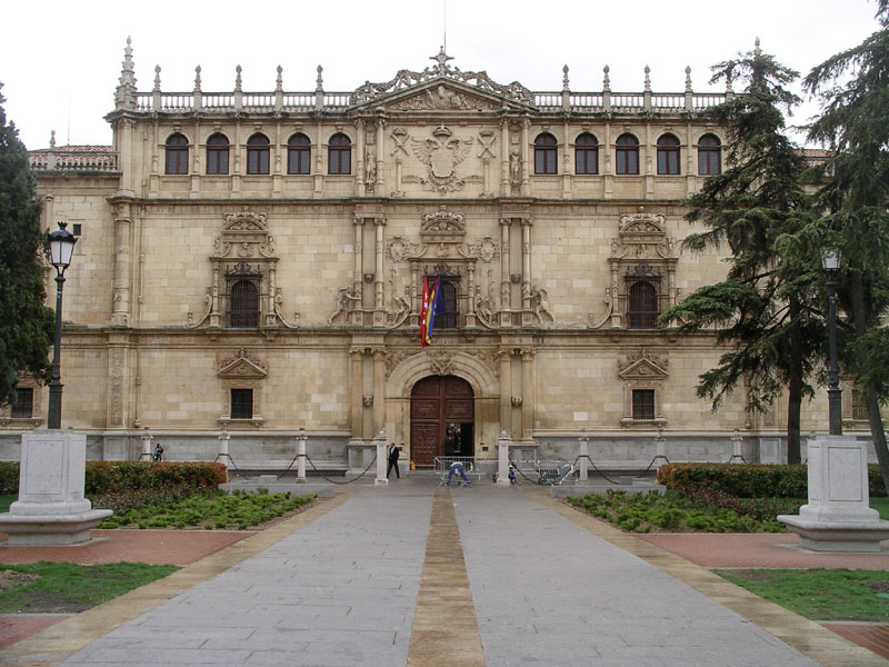 FIGURE 1. Colegio de San Ildefonso (constructed 1537-53 by architect Rodrigo Gil de Hontañón),  University of Alcalá, Spain. Photo courtesy of Wikisource.